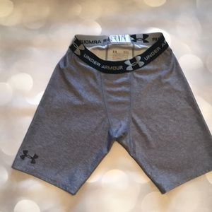 Under Armour Heat Gear Compression Shorts - Size L